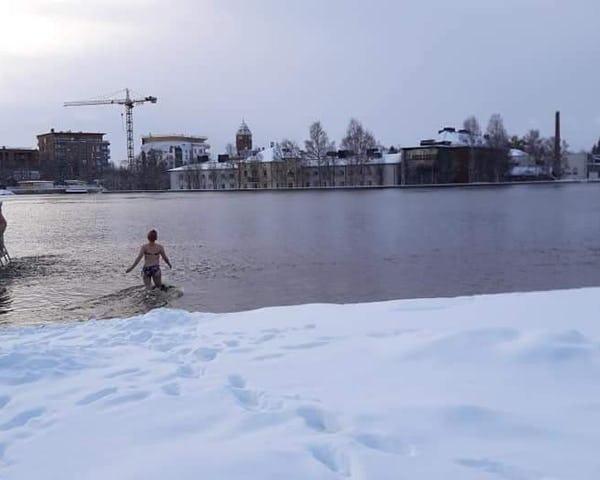 Talviuinti ja Tervasaunaelämys Oulussa